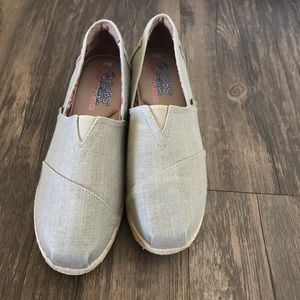 NWOB Bobs for Skechers memory foam shoes size 8.5